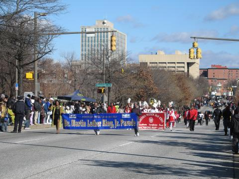 desfile anual en honor a Martin Luther King Jr. en su cumpleaños en Baltimore
