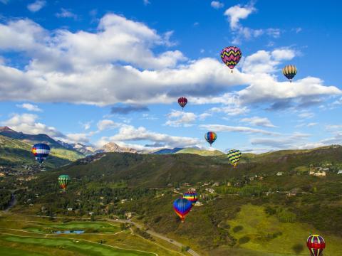 Prototipos en lo alto del cielo en Snowmass Balloon Festival