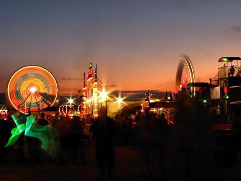 Paseos iluminados en Olmsted County Fair