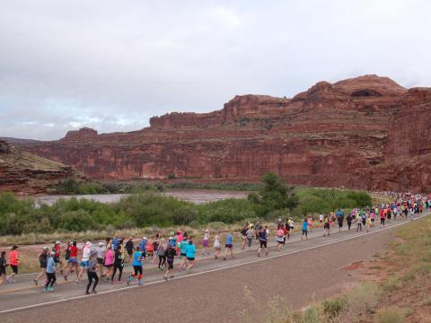 Corredores en Thelma & Louise Half Marathon