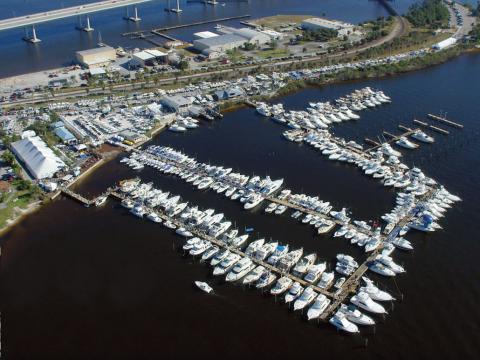 Vista aérea del Stuart Boat Show en Florida