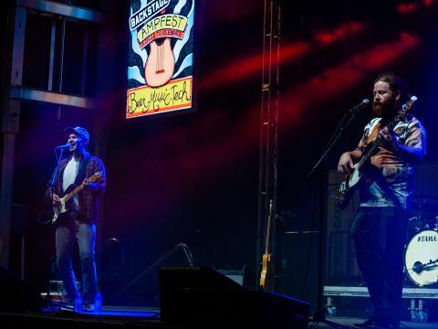 Concierto durante el AMP Fest en el Walmart AMP (Arkansas Music Pavilion) en Rogers