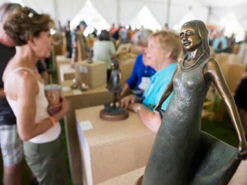 Un evento artístico durante el Sculpture Show Weekend en Loveland, Colorado