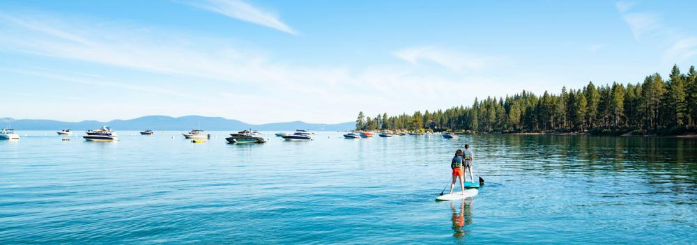 Surf de remo en South Lake Tahoe, California